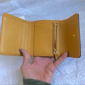 190c9b53622a Tory Burch Bags - 🎉Tory Burch mustard Bryant mini foldable wallet